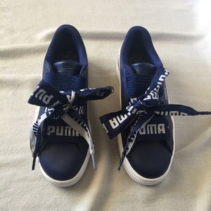 NWOB Puma Basket Heart DE Sneaker